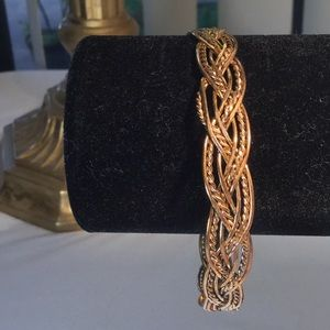 Jewelry - Hand crafted intricate bracelet